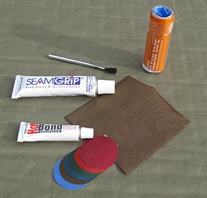 Ремонт самонадувающихся ковриков Patch-supplies-300x287