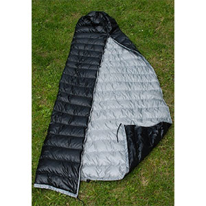 photo: HammockGear Burrow 50° top quilt